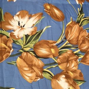 Scarf - cotton in blue with beige flowers